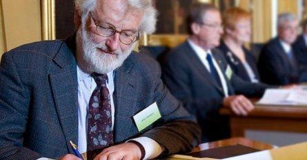 muere-a-los-75-anos-john-sulston-pionero-de-la-decodificacion-del-genoma