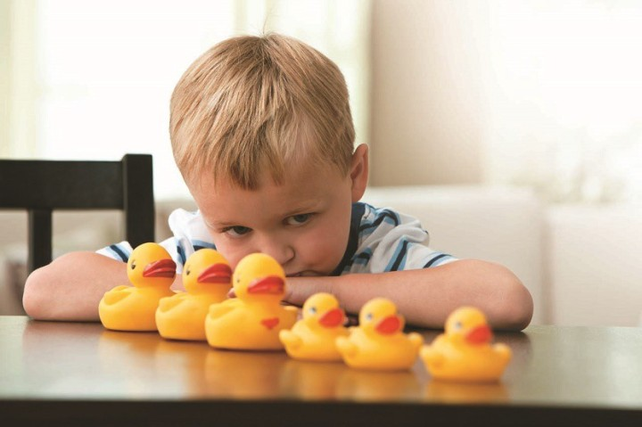 autismo-nene-patos-830x553