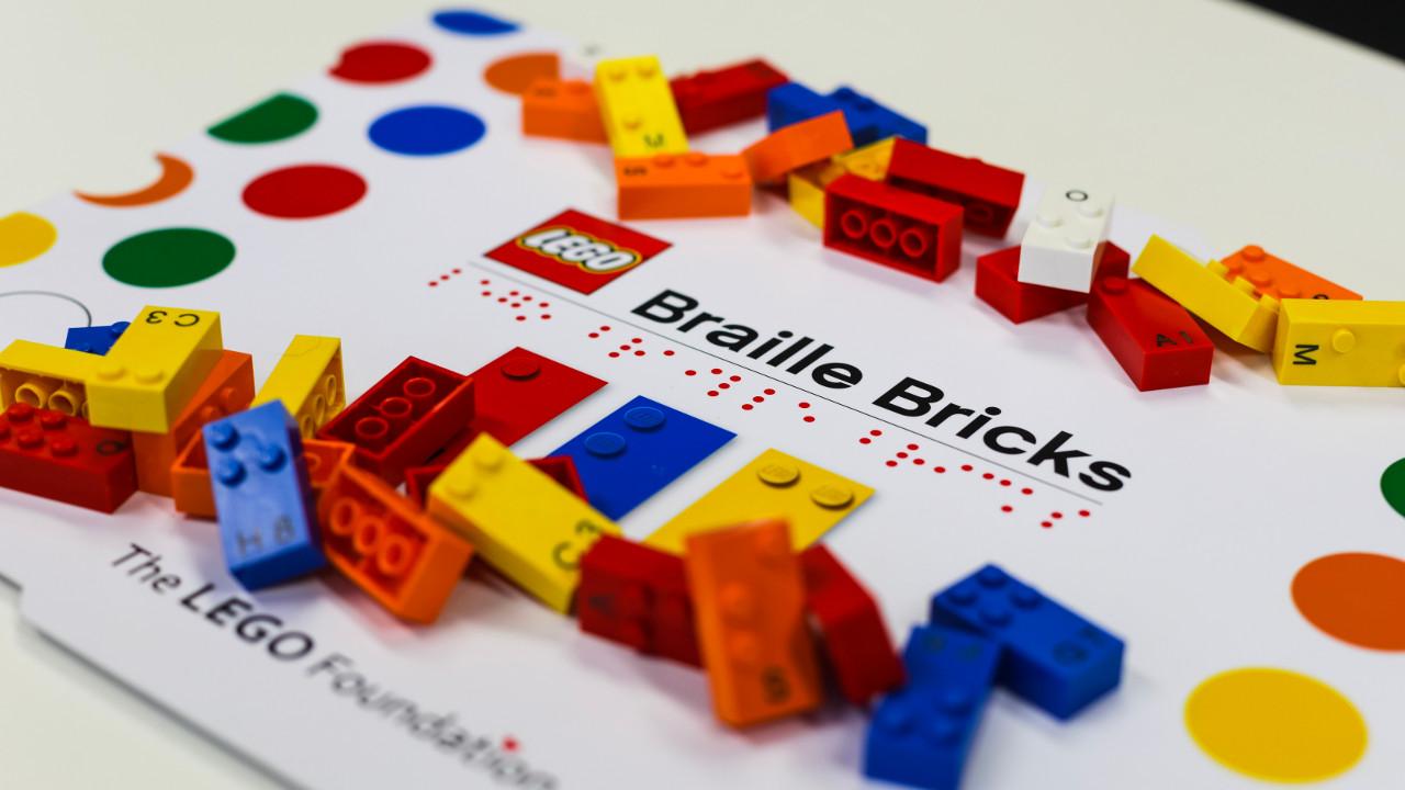 LEGO-braille-bricks